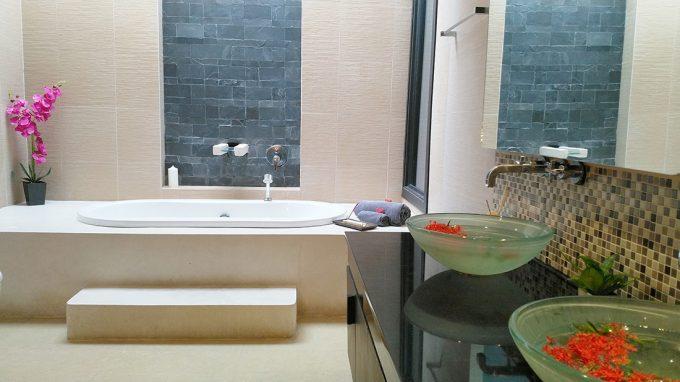 Coco Swinger Resorts Ensuite Bathroom