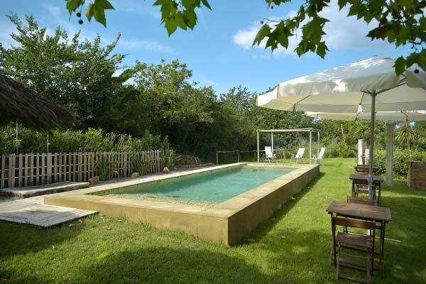 Piscina naturista hotel costa brava swingers club directory for Piscina n club